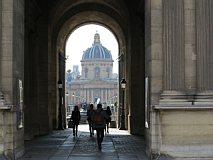 de binnenplaats van het Louvre