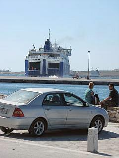 veerboot op Paros