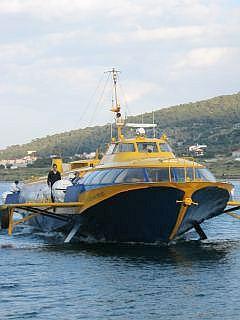 een veerboot bij Angristri