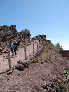 pad naar de top van de Vesuvius