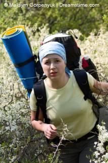 backpacker in de bergen