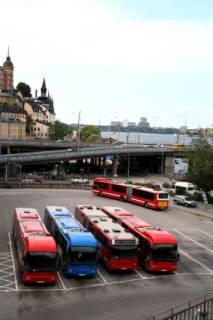 Bussen op station in Stockholm
